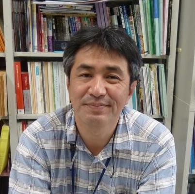 03秋田先生_顔写真